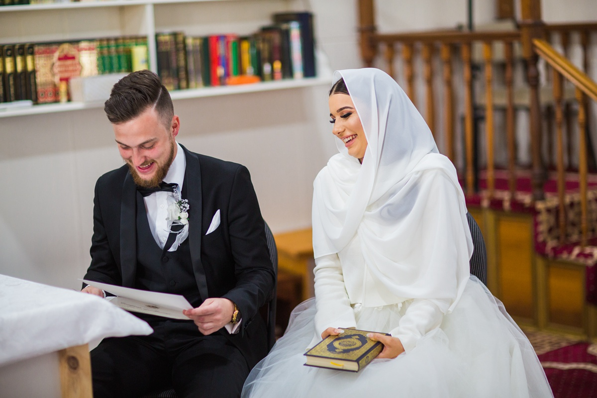 a picture of cheap wedding photography sydney